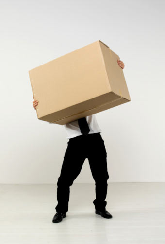 06282017man-holding-box